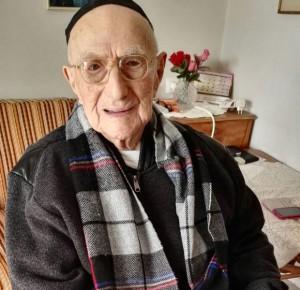 Ironie de l'histoire, l'Israélien Israël Kristal, un survivant d'Auschwitz, âgé de 112 ans, serait l'homme le plus vieux du monde !