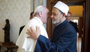 Embrassade du Pape et du  grand imam d'al-Azhar, Ahmed al-Tayeb